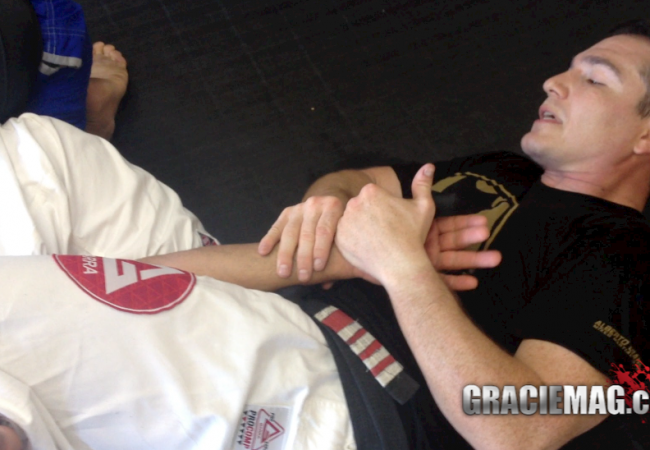 Learn secondary attacks from omoplata with GMA Alberto Crane