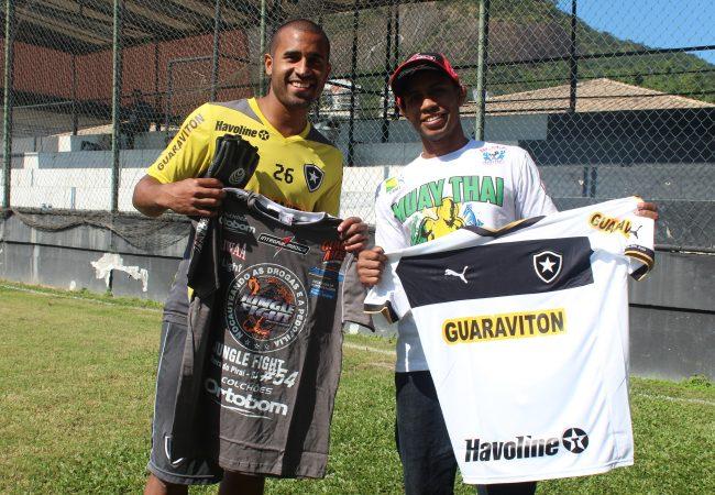 Jogador do Botafogo revela ter se aventurado no Jiu-Jitsu antes do futebol