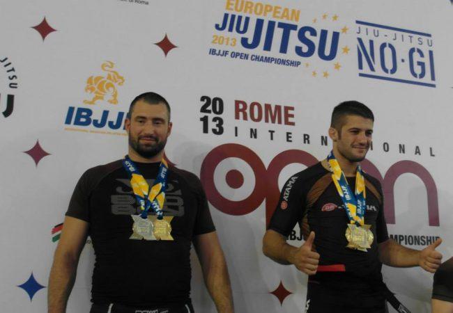 Após 3 ouros na Itália, peso médio recebe a faixa-preta de Jiu-Jitsu