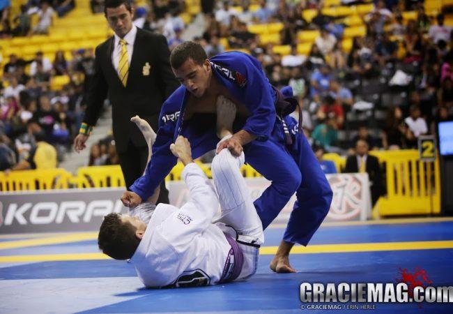 Aprenda a fazer pegadas no Jiu-Jitsu e segurar firme no kimono, com Márcio André