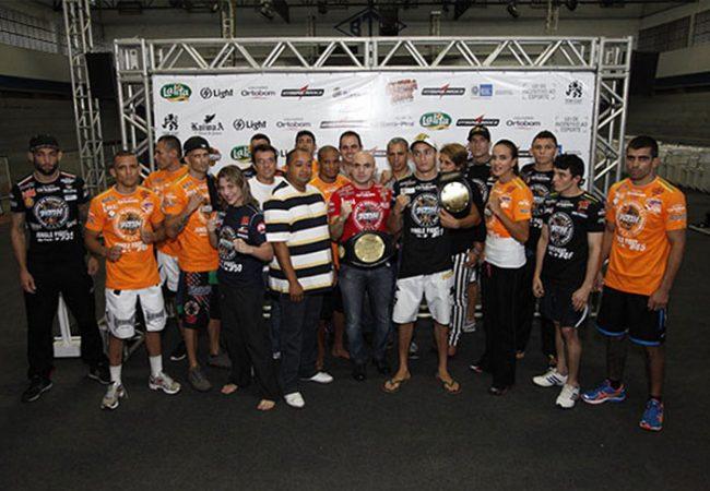 Jungle Fight realiza pesagem em shopping da Barra da Tijuca, no Rio