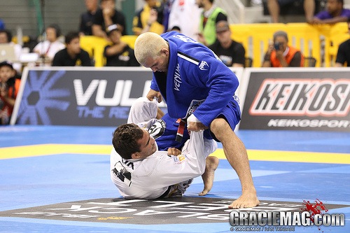 Guard players beware! Rodolfo Vieira has an antidote to Kennan's worm guard