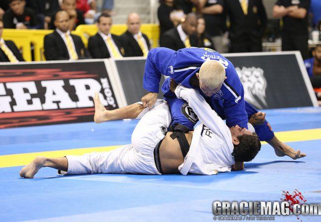 GRACIEMAG: como aprender a distribuir seu peso no Jiu-Jitsu