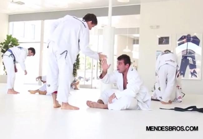 Video: Rafael Mendes trains with Nova Uniao's Ricardo Demente