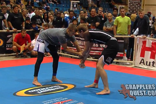 Watch submission-only match between Keenan Cornelius and Max Bohanan