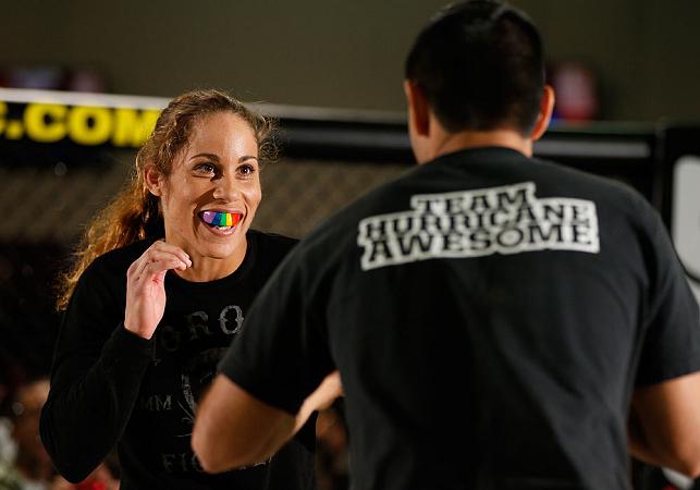 Vídeo: os treinos de Liz Carmouche, 1ª desafiante ao cinturão feminino do UFC