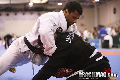Como você domina um agressor com o Jiu-Jitsu? Aprenda com Rilion Gracie