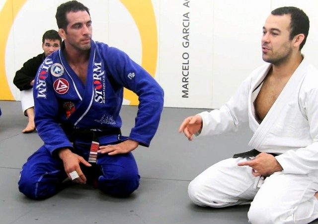 Watch an impressive roll session with Marcelo Garcia and Braulio Estima