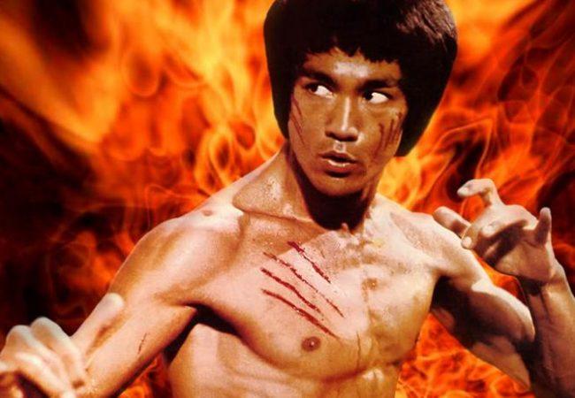 Vídeo: o justo triângulo aplicado pelo Bruce Lee do UFC