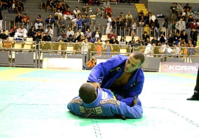 Rio Open de Jiu-Jitsu: veja Leonardo Cascão faturando o ouro no peso-pena