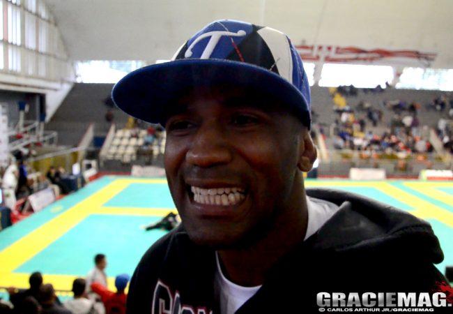 No topo da favela, ouça o funk para o campeão de Jiu-Jitsu Fernando Tererê