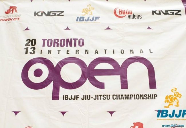 Watch the black belt absolute final at the IBJJF Toronto Open