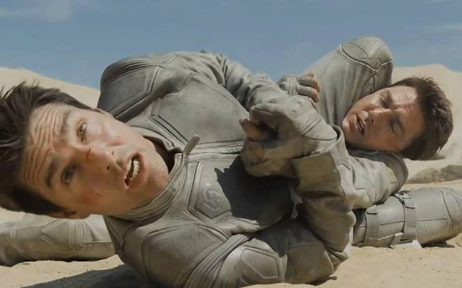 Watch Tom Cruise put himself to sleep with a triangle choke