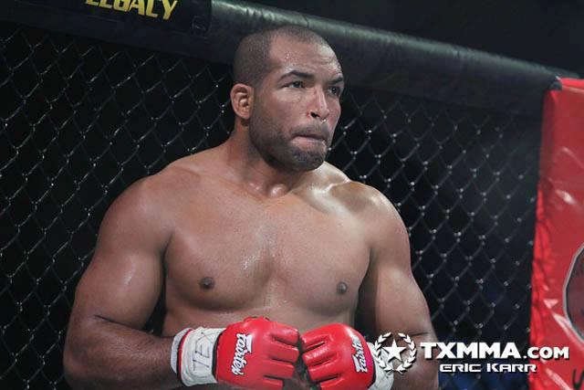 Bruno Bastos voltou a vencer no MMA no evento texano Legacy