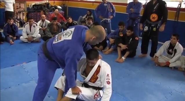 Aprenda valiosas dicas de Jiu-Jitsu para você passar a guarda, com Cícero Costha