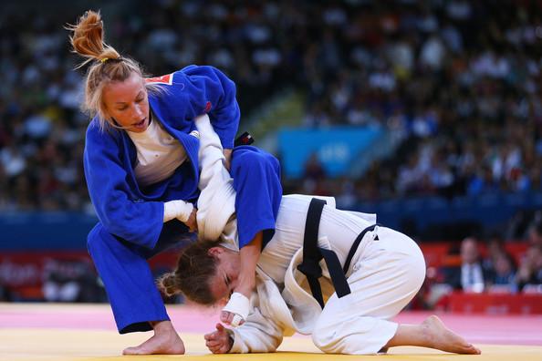 Vídeo: 30 finalizações do judô para melhorar seu Jiu-Jitsu