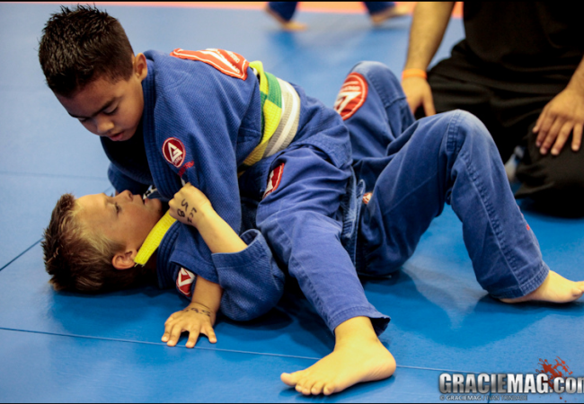 Neste Natal, dê ao seu filho um presente único como o Jiu-Jitsu