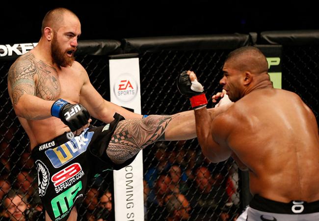 Veja o marrento Overeem tomando um nocautaço de Travis Browne no UFC
