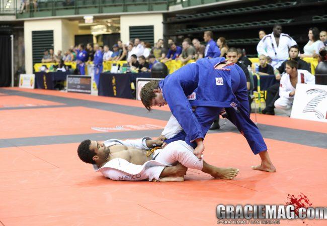 Chicago Summer: Watch Flavio Almeida vs. Vitor Oliveira (HD)