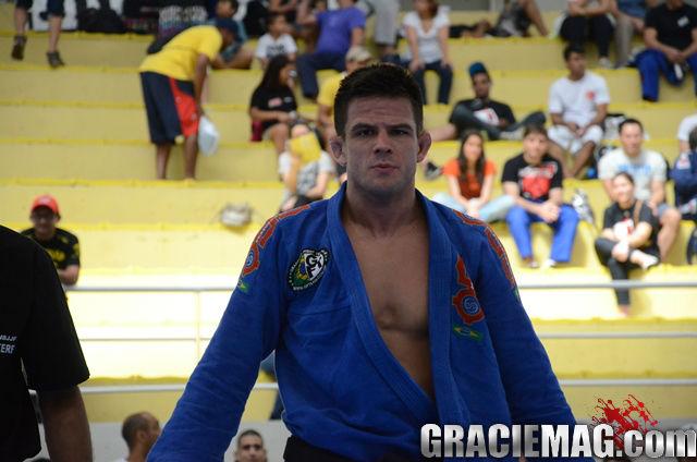 4 dicas para você raspar de meia-guarda no Jiu-Jitsu, por Jake Mackenzie