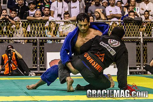 Rio Open de Jiu-Jitsu: a final dos pesados entre o campeão Léo Maciel e André Bastos