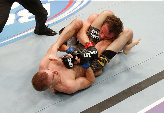 Watch the best knockouts and submissions from UFC Fight Night 26