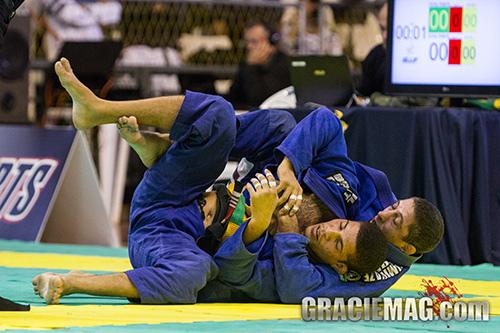 Como você usa o ezequiel no Jiu-Jitsu? Fera da GFTeam ensina