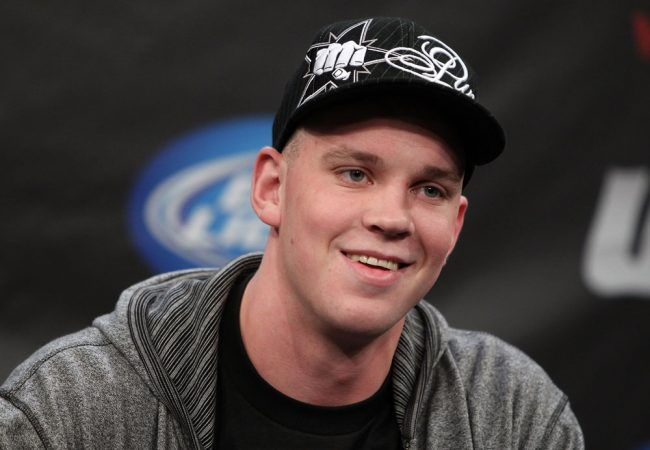 Stefan Struve hospitalized, sidelined with leaking aortic valve, enlarged heart