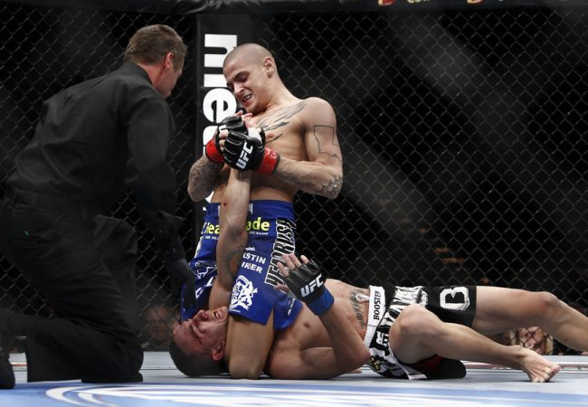 UFC Submission of the Week: mounted triangle and armbar by Dustin Poirier