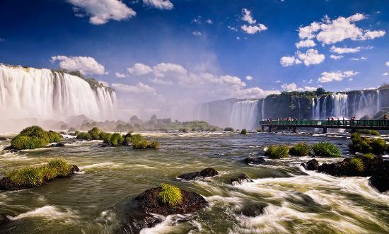 Foz do Iguaçu é o palco do Jungle Fight 56, com disputa do cinturão dos galos