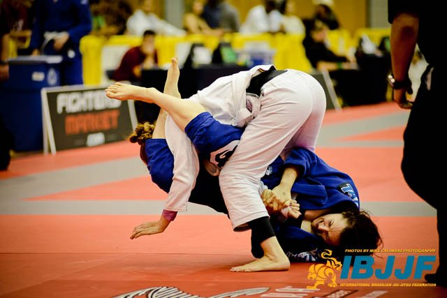 Video: Study 43 armbars taken from the Jiu-Jitsu Championships