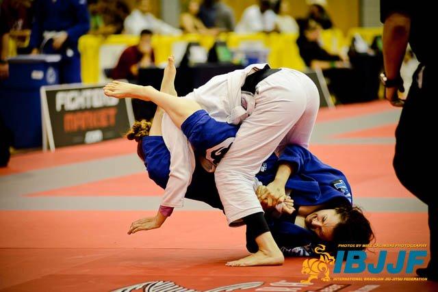 Video: Study 43 armbars taken from the Jiu-Jitsu Championships