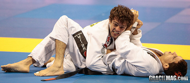 Check out Robson Moura at 2012 Master/Senior Worlds; Register today till Sept. 27