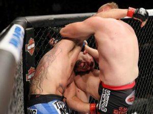 Barnett e a joelhada que implodiu Mir. Foto: UFC/Divulgação