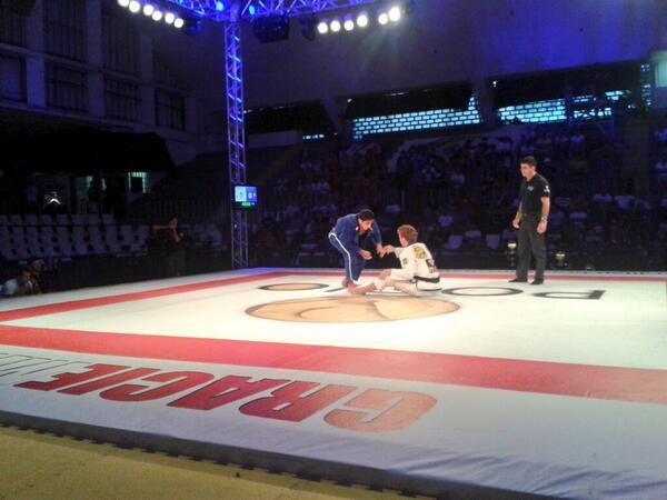 Copa Pódio: Clark Gracie finaliza Diego Borges em luta sem tempo