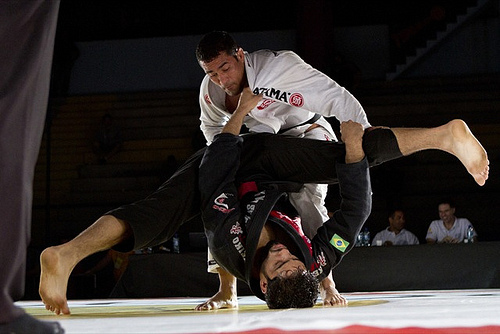 Jiu-Jitsu: Raspe da guarda De La Riva e finalize com Davi Ramos