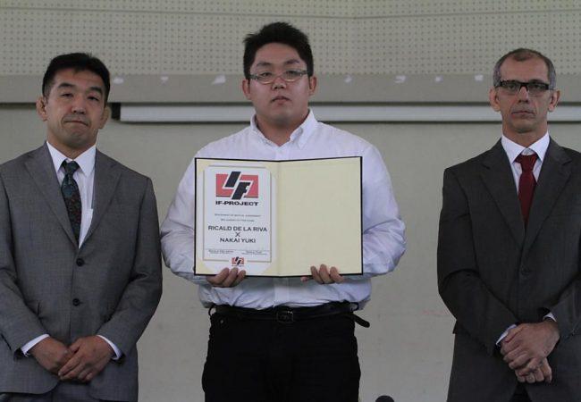 Ricardo de la Riva embarca para luta de despedida contra Yuki Nakai no Japão