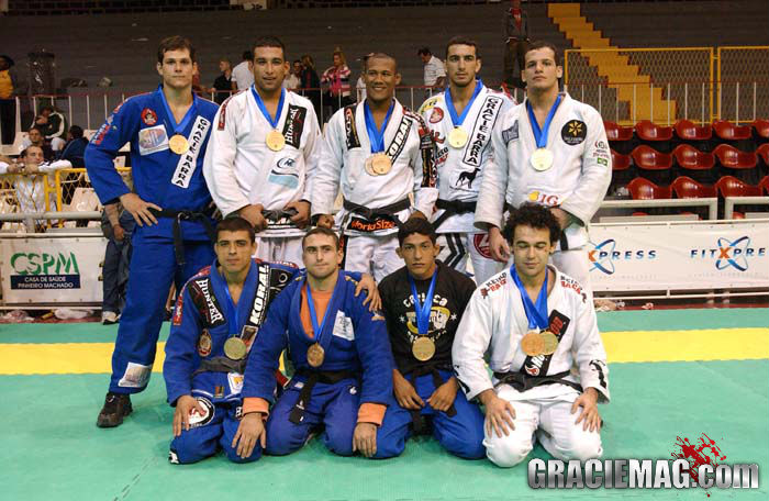 Os campeões mundiais na faixa-preta em 2004: a safra mais forte de todos os tempos? Foto: Gustavo Aragão/GRACIEMAG