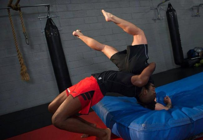 """UFC: Jon Jones indica """"ponto fraco"""" de Glover Teixeira"""