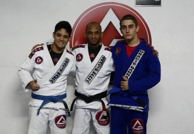 No Rio de Janeiro, criançada aprende Jiu-Jitsu de graça
