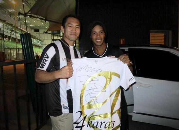 Ronaldinho Gaúcho se declara fã de rival de Ronaldo Jacaré no UFC de hoje à noite