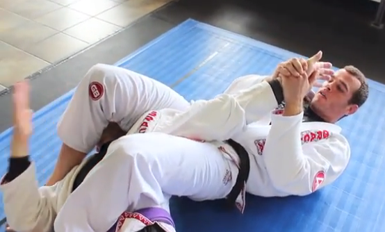 GMA Technique: Black-belt Carlos Eduardo teaches counterattack to armbar