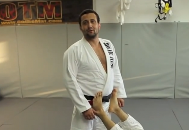 """GMA Technique: Pete """"The Greek"""" Letsos teaches guard pass he learned from Carlson Gracie Jr."""