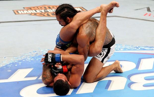 Os bastidores e treinos de Jiu-Jitsu de Anthony Pettis antes de pegar o cinturão do UFC