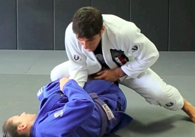 A guarda De La Riva complica você no Jiu-Jitsu? Passe e pegue no armlock