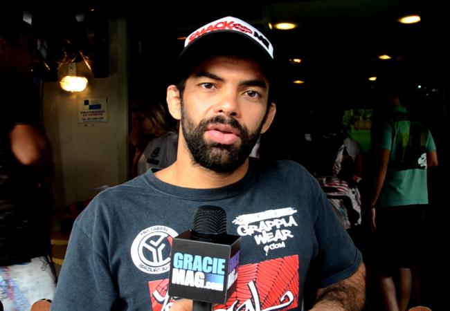 Vídeo: Yan Cabral exalta treinos de Jiu-Jitsu com kimono para estreia no UFC