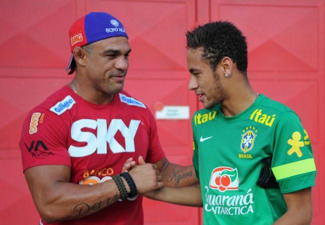 Paixões no Brasil, MMA e futebol se unem na visita de Belfort à Seleção Brasileira