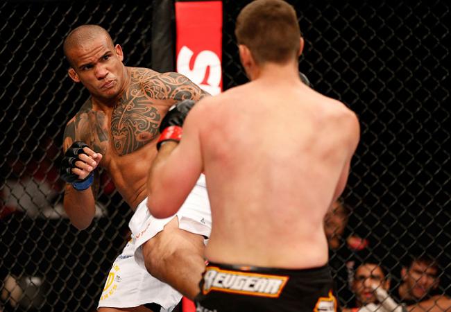 """Ivan Batman comenta adrenalina de estrear no UFC: """"Não lembro do primeiro round"""""""