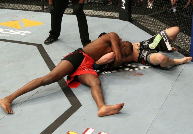 Vídeo: veja Jon Jones finalizando a última vítima de Glover Teixeira no UFC