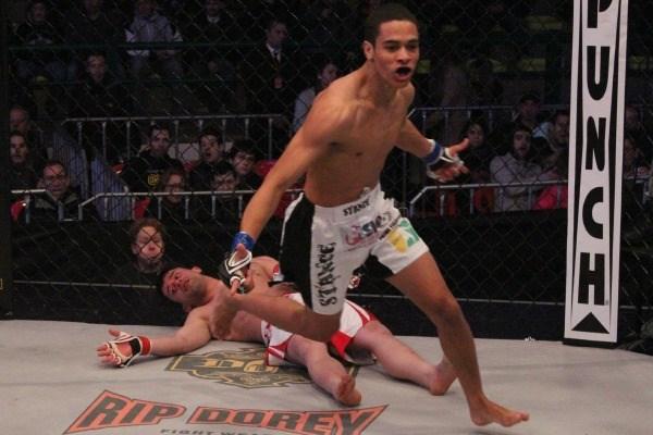 Invicto há 28 lutas, Julio Cesar Morceguinho assina com o Bellator